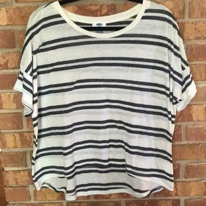 Old Navy Oversized Striped Crop T-Shirt. Size: M